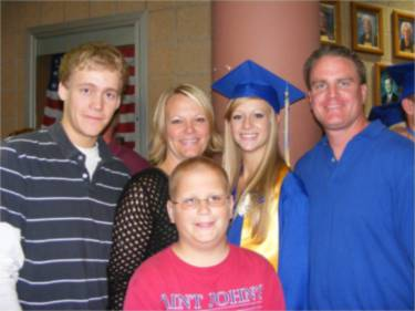 Tina and Aaron Molacek Family)